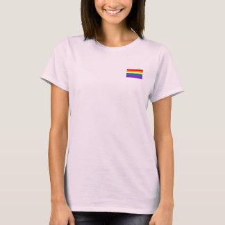 Glada regnbågeflaggakvinna t-skjorta t shirt