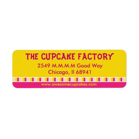 Gladlynt och ljus etikett för muffinfabriksaffär returadress etikett