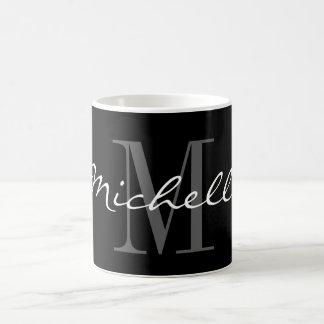 Glamorös svartvit känd monogramkaffemugg kaffemugg
