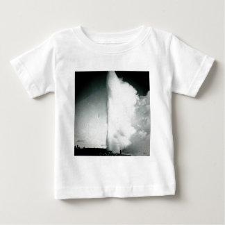 Glass glidbana för Yellowstone Geyservintage T Shirt