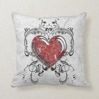 Glass hjärta med prydnadar kudde
