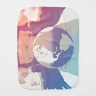 Globalisering och ett globalt företag med händer bebistrasa