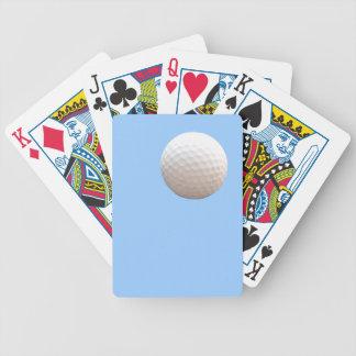 Golfboll i himmlen som leker kort spelkort