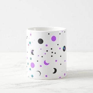Göra mellanslag och formar designmönster kaffemugg