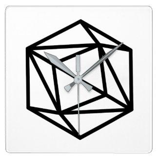 Göra till drottning (realitet)/kvadrera väggen tar fyrkantig klocka
