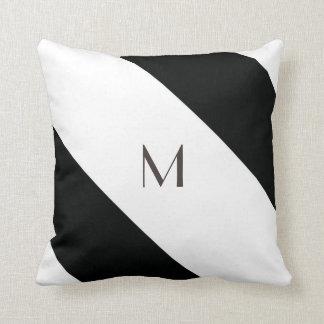 Görade randig (svart- & för vit   Diagonal) några Dekorativ Kudde