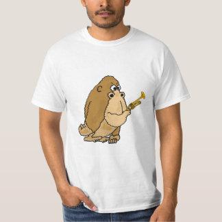 Gorilla CA med en trumpetT-tröja T-shirts