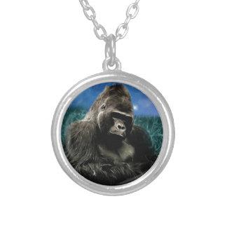 Gorilla i ängen silverpläterat halsband