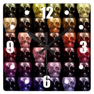 Gotisk Halloween för multifärgaddöskallarCollage Fyrkantig Klocka