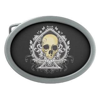 Gotisk stilsvartöverdängare av spadar med skallen,