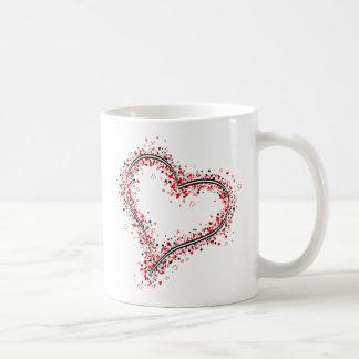 Grafisk hjärta formar samlat av många hjärtor kaffemugg