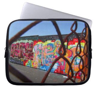 Grafitti och kedjar laptop sleeve laptopskydd