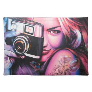 Grafittiflickafotograf Bordstablett