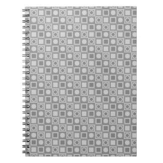 Grått kvadrerar anteckningsbok med spiral