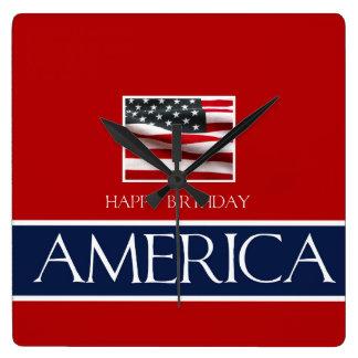Grattis på födelsedagen Amerika! Fyrkantig Klocka