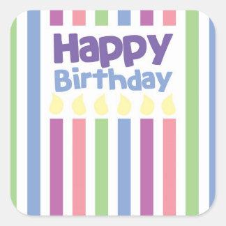 Grattis på födelsedagenstripeykort fyrkantigt klistermärke