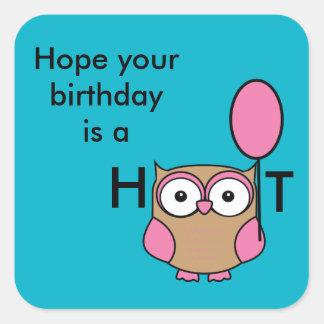 Grattis på födelsedagenugglarosor och solbränna fyrkantigt klistermärke