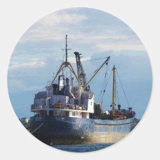 Grekiskt lastfartyg i islands.na runt klistermärke