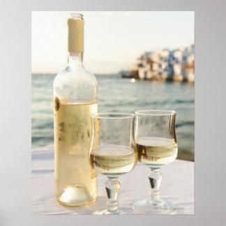 Grekland Cyclades öar, Mykonos, vin på bord Poster