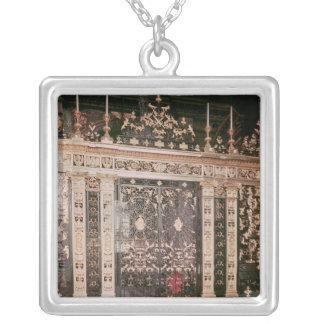Grindar från fristadskärmen silverpläterat halsband