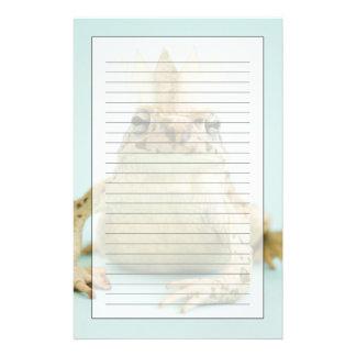 Groda som ha på sig kronan brevpapper