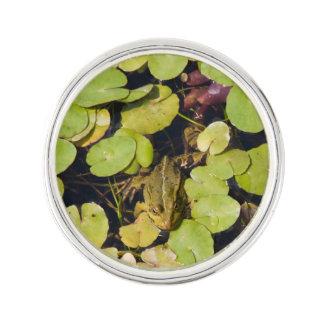 Grön groda kavajnål