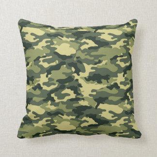 Grön kamouflagemönsterdekorativ kudde