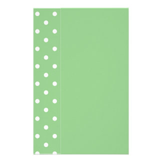 Grön mall för Apple polka dotsbrevpapper Brevpapper