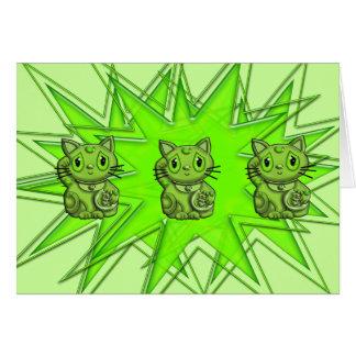 Grön Maneki Neko lycklig göra tecken åt katt Hälsningskort