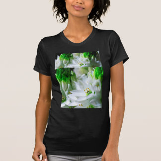 GRÖN n-vit blommar n-knoppar Gåvor för hälsninga T Shirts