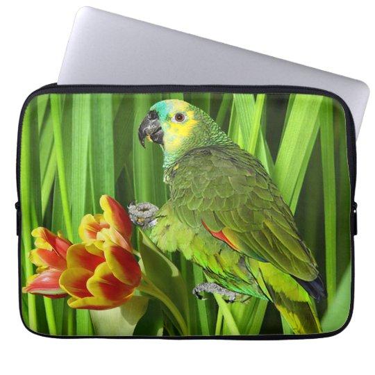 Grön natur med papegojan laptop sleeve