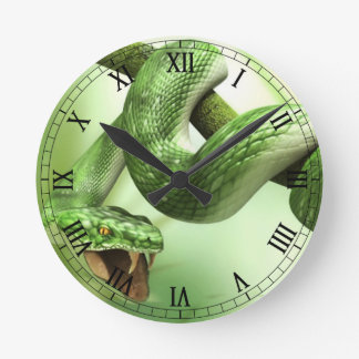 grön orm rund klocka
