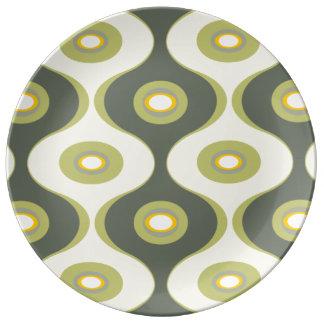 Grön retro kurvor och ovaler porslinstallrik