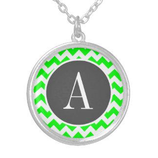 Grön sparre för elkraft silverpläterat halsband