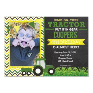 Grön sparretraktorfödelsedagsfest inbjudan