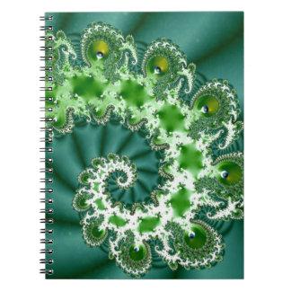 Grön spiral Fractal Anteckningsbok Med Spiral