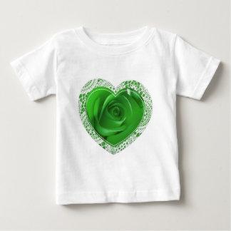 Grön t-skjorta för snörehjärtabebis tröjor