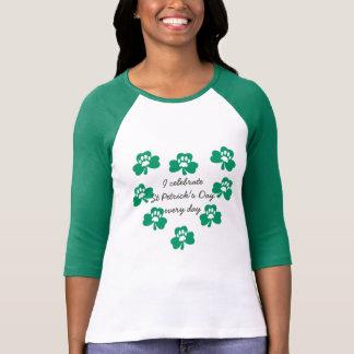 Gröna Sts Patrick för hjärta för Tshirts