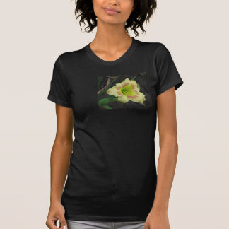 Grönögd lilja tee shirts