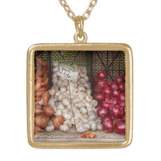 Grönsak - sötpotatisar, vitlök och lökar guldpläterat halsband