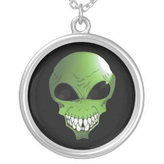 Grönt främmande silver pläterat rundahalsband silverpläterat halsband