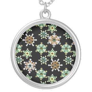 Grönt & guld- Sparkling vintersnöflingor Silverpläterat Halsband