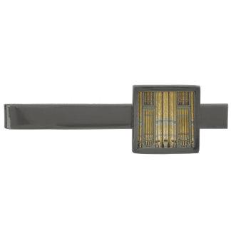Grönt och guld- organrör stålgrå pläterad slipsnål