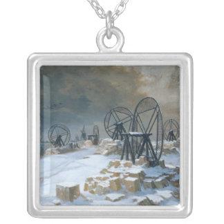Gropar på Gentilly i snön, 1879 Silverpläterat Halsband