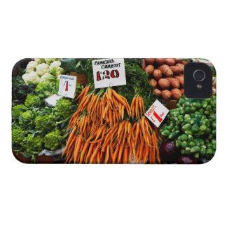 Grupper av morötter och grönsaker marknadsför på iPhone 4 Case-Mate fodral