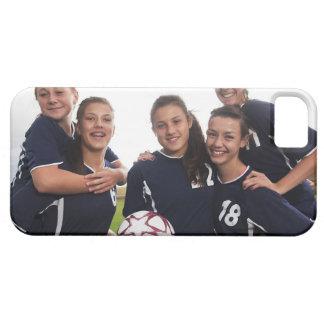gruppporträtt av tonåring flickafotbollspelare iPhone 5 Case-Mate fodraler