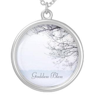 Gudinnan välsignar hänget silverpläterat halsband