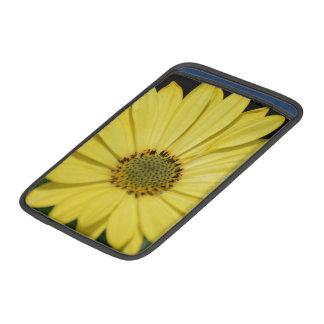 Gul blomma MacBook air sleeves
