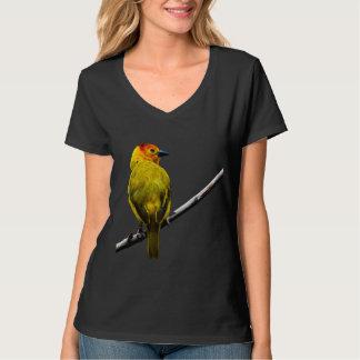 Gul fågel på en gren t-shirts