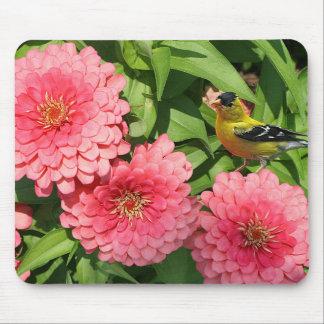 Gul Finch och blommor - Musmatta
